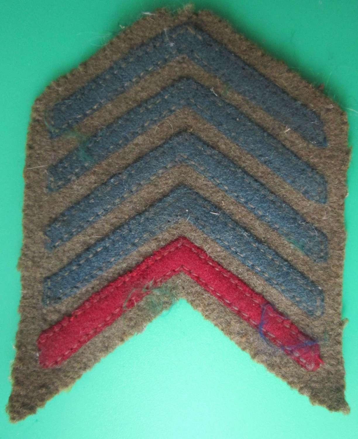 GOOD WWI OVERSEAS SERVICE CHEVRONS