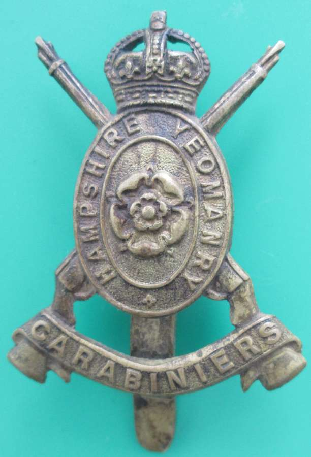 A HAMPSHIRE CARABINIERS OTHER RANKS CAP BADGE