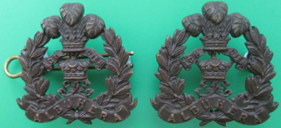 A PAIR OF MIDDLESEX REGIMENT OFFICER'S COLLAR DOGS