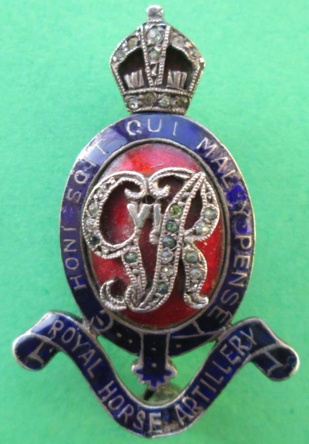 A SWEETHEART PIN BROOCH FOR THE ROYAL HORSE ARTILLERY