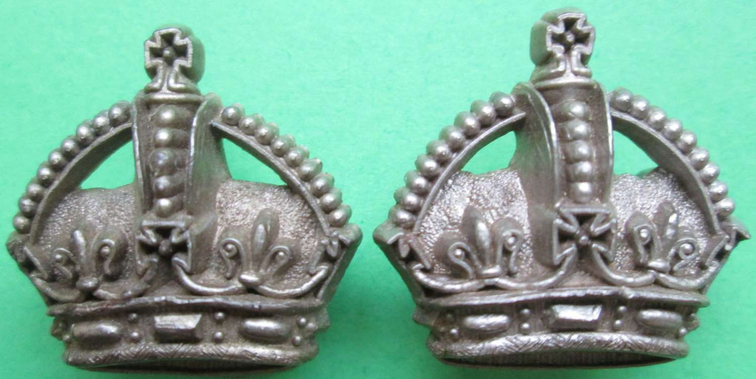 A PAIR OF WWII PERIOD KINGS CROWNS RAF FLT SGTS