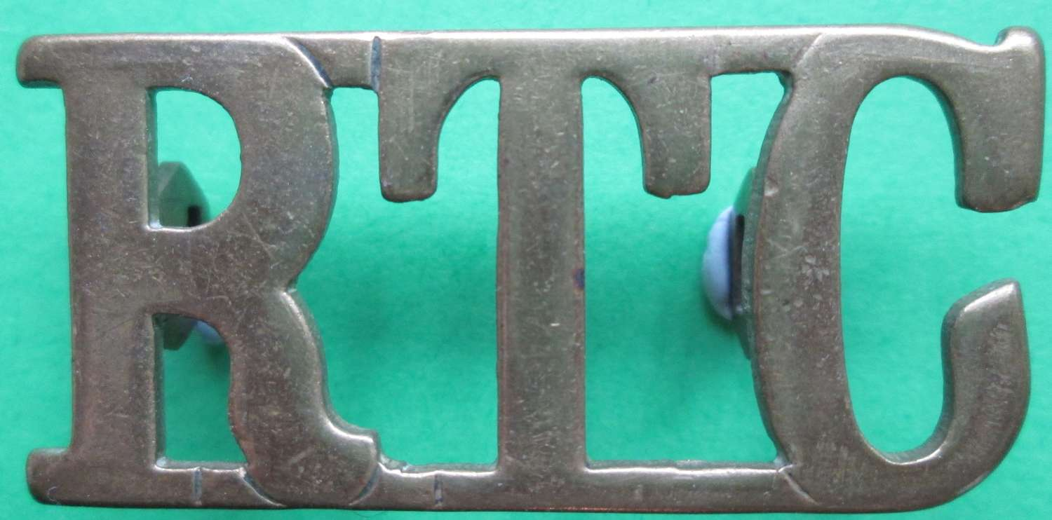 A WWI PERIOD ROYAL TANK CORPS SHOULDER TITLE