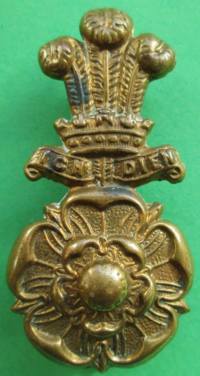 A CAP BADGE FOR THE ALEXANDRA,PRINCESS OF WALES OWN (YORKSHIRE REG)