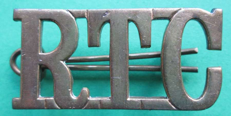 A ROYAL TANK CORPS METAL SHOULDER TITLE