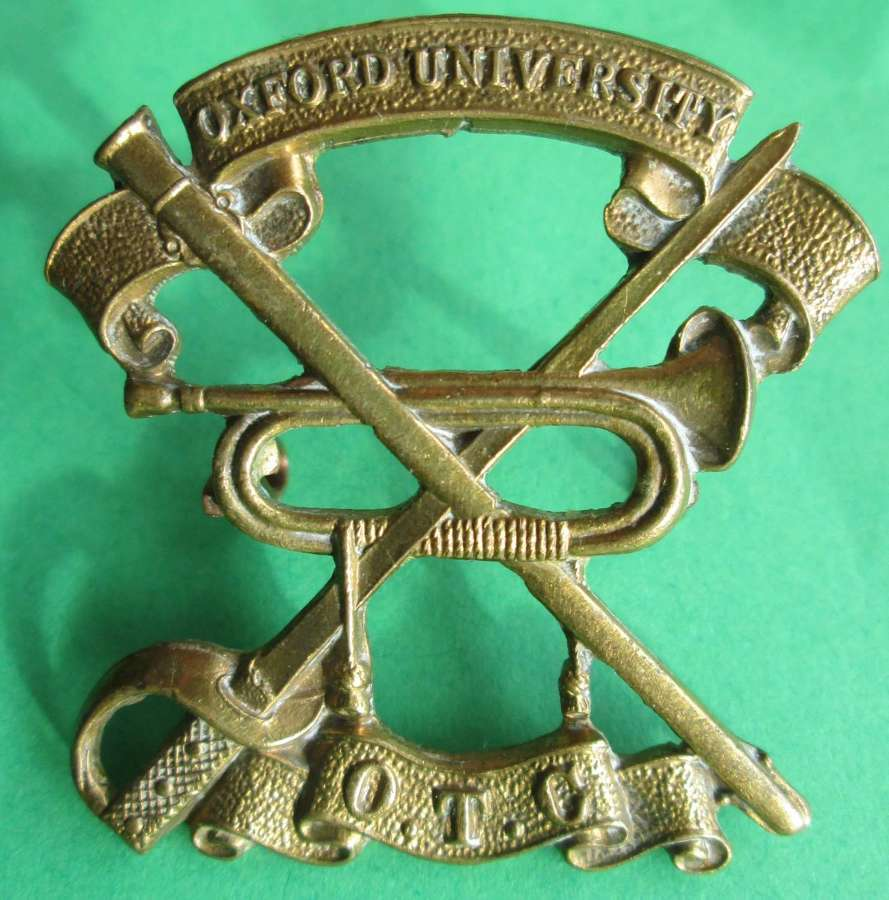 AN OXFORD UNITVERSITY OTC CAP BADGE