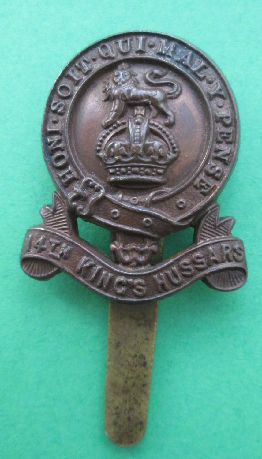 A GOOD OTHER RANKS SCARCE BRONZE 14TH KING'S HUSSARS BADGE