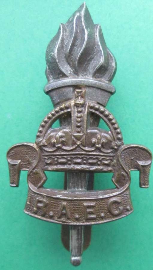 A ROYAL ARMY EDUCATION CORPS 2ND PATTERN CAP BADGE