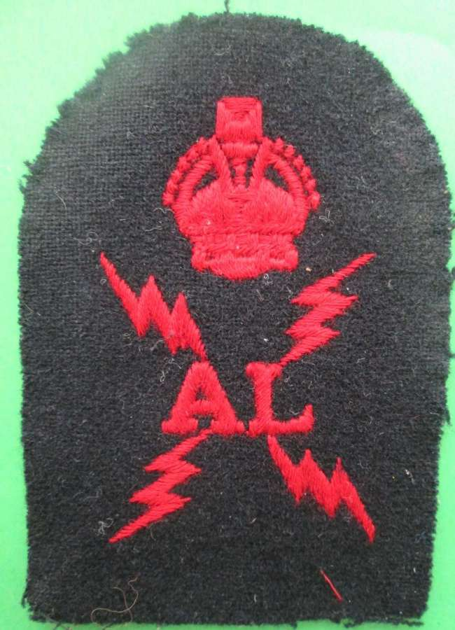 ROYAL NAVAL ELECTRICAL (AIR) BRANCH BADGE