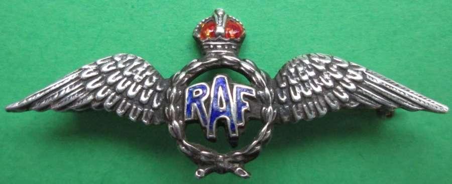 AN RAF SWEETHEART BROOCH