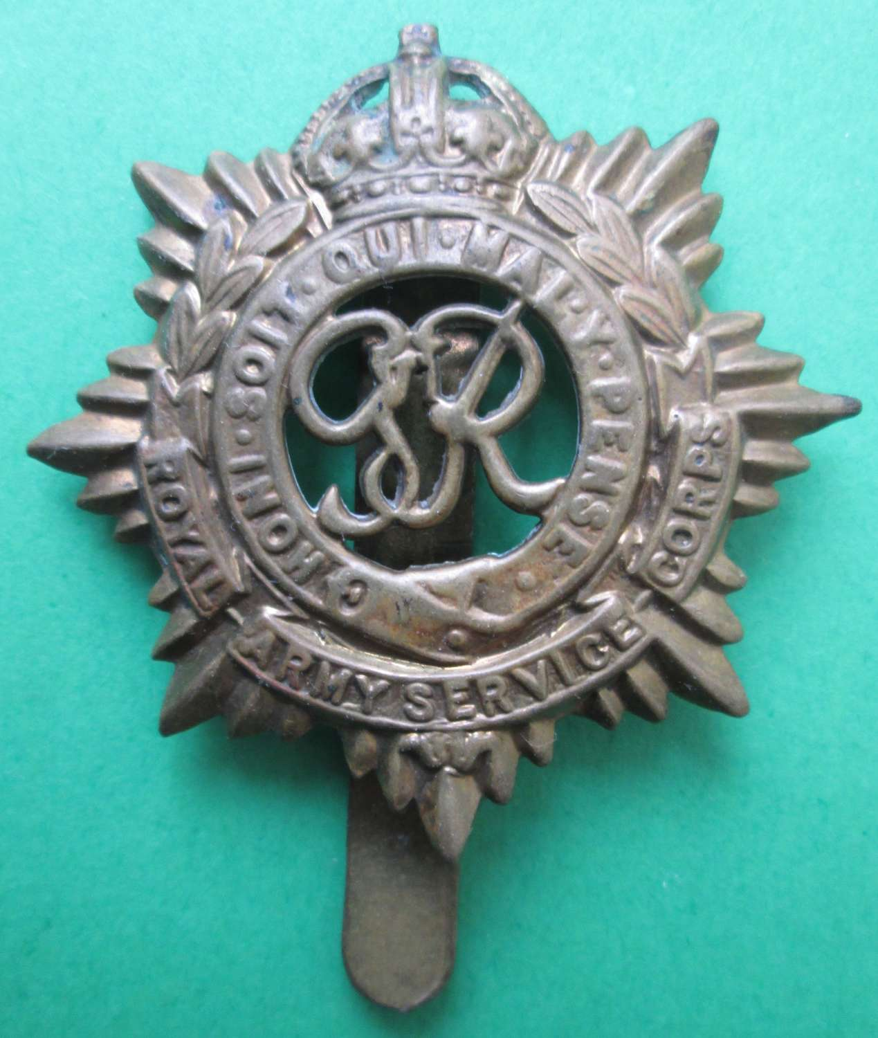WWII PERIOD ARMY SERVICE CORPS CAP BADGE