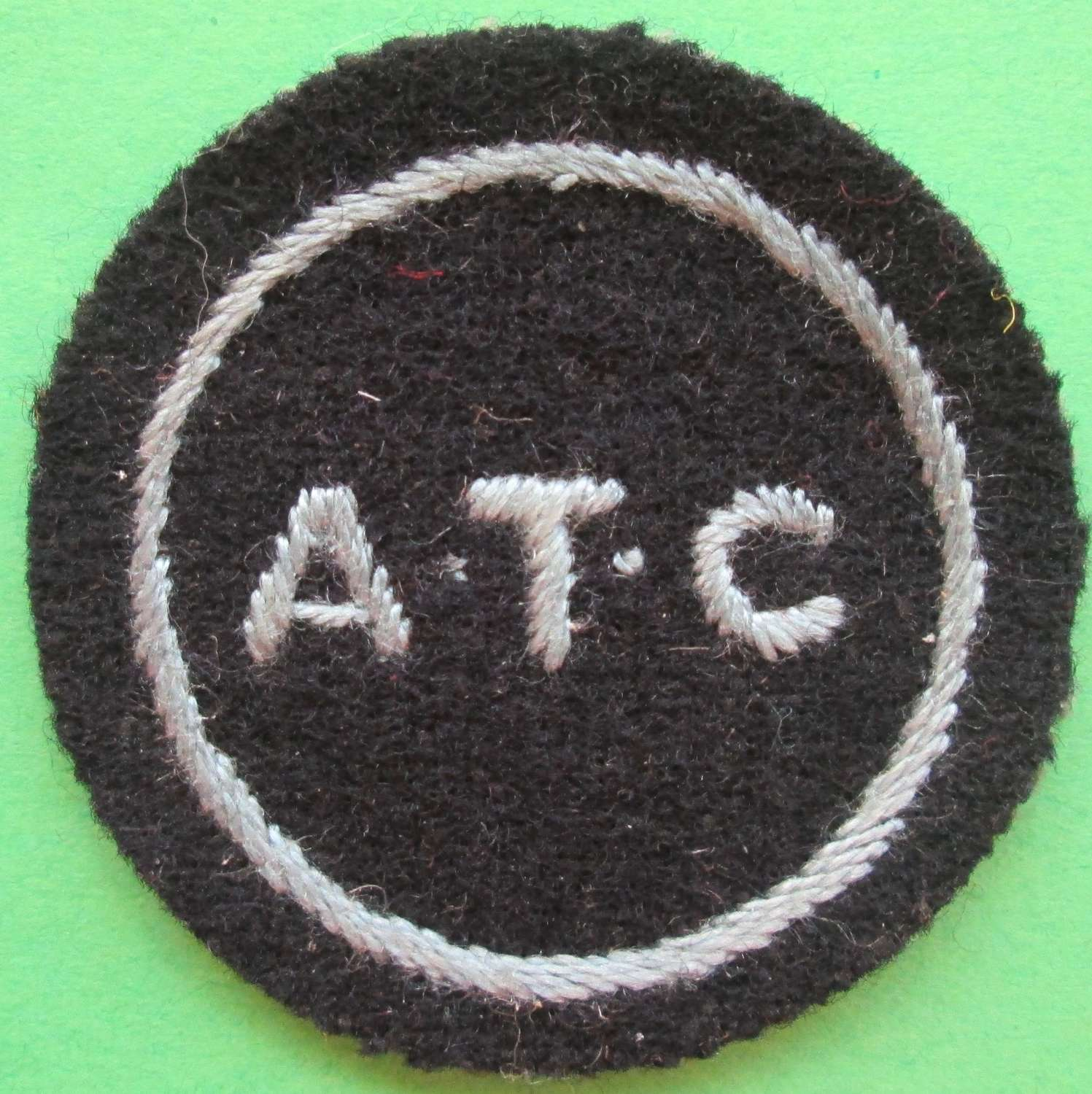 AN AIR TRAINING CORPS CLOTH BADGE