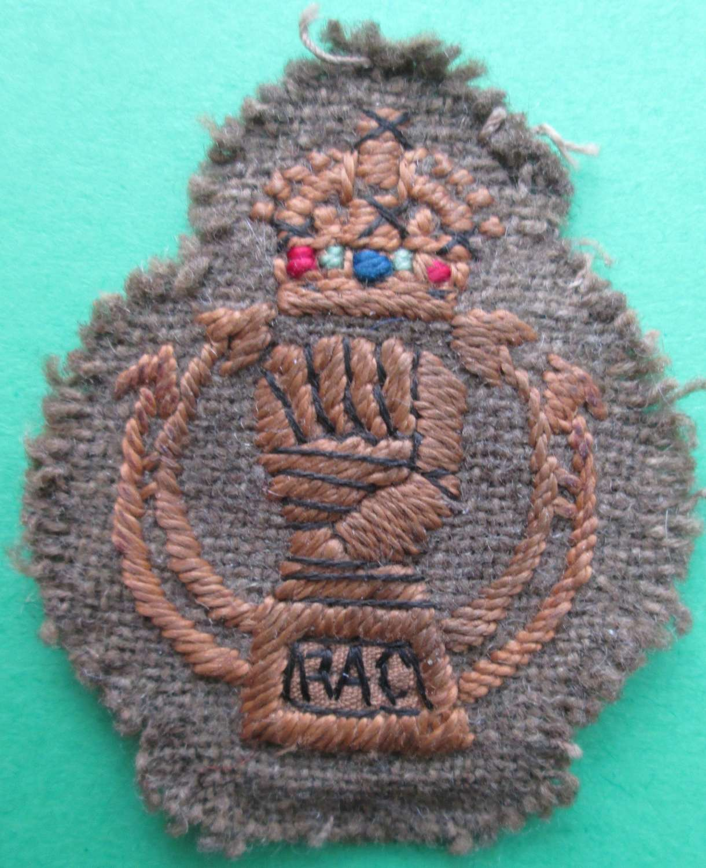 A ROYAL ARMOURED CORPS CLOTH ARM BADGE