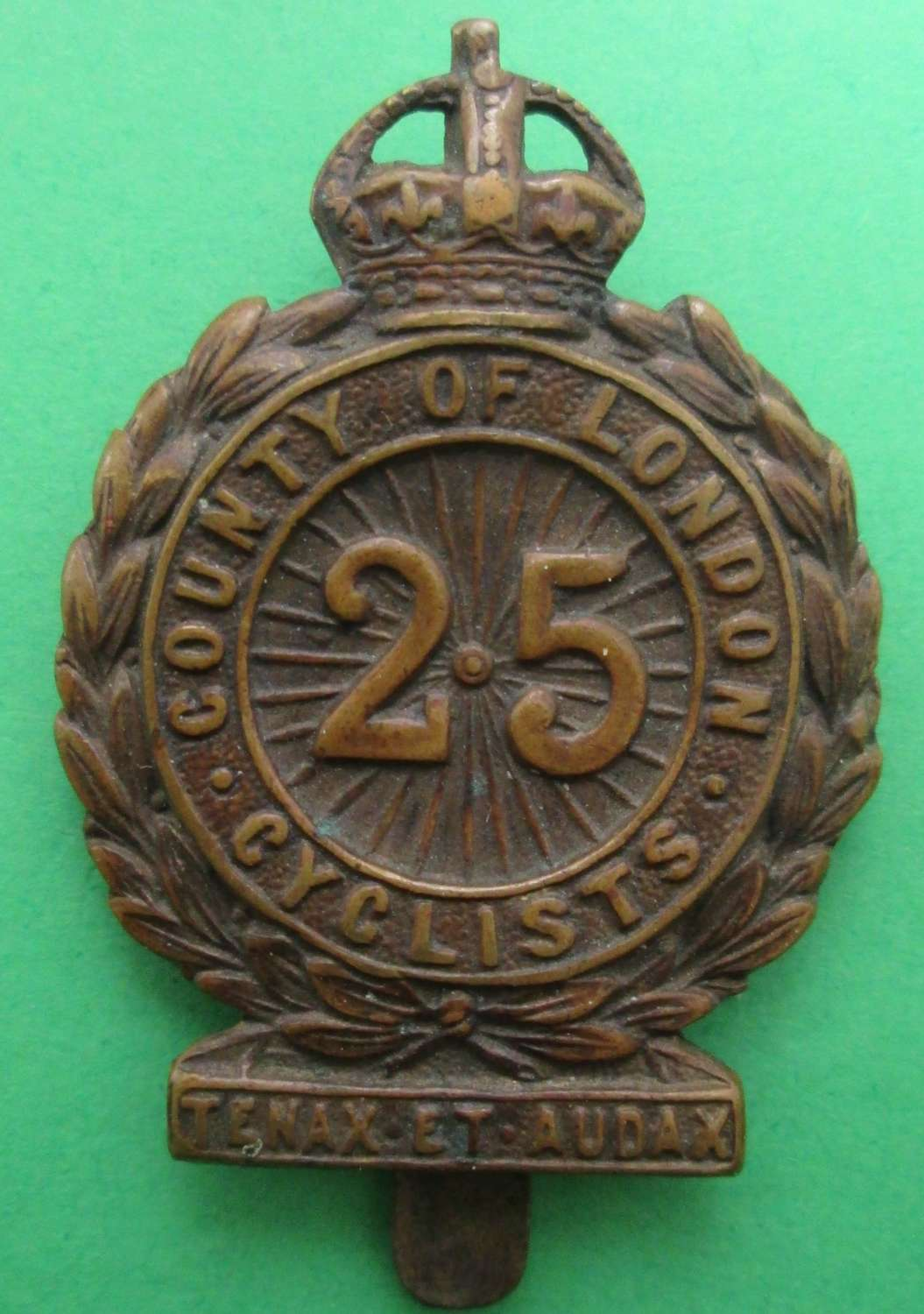 A 25TH COUNTY OF LONDON CAP BADGE