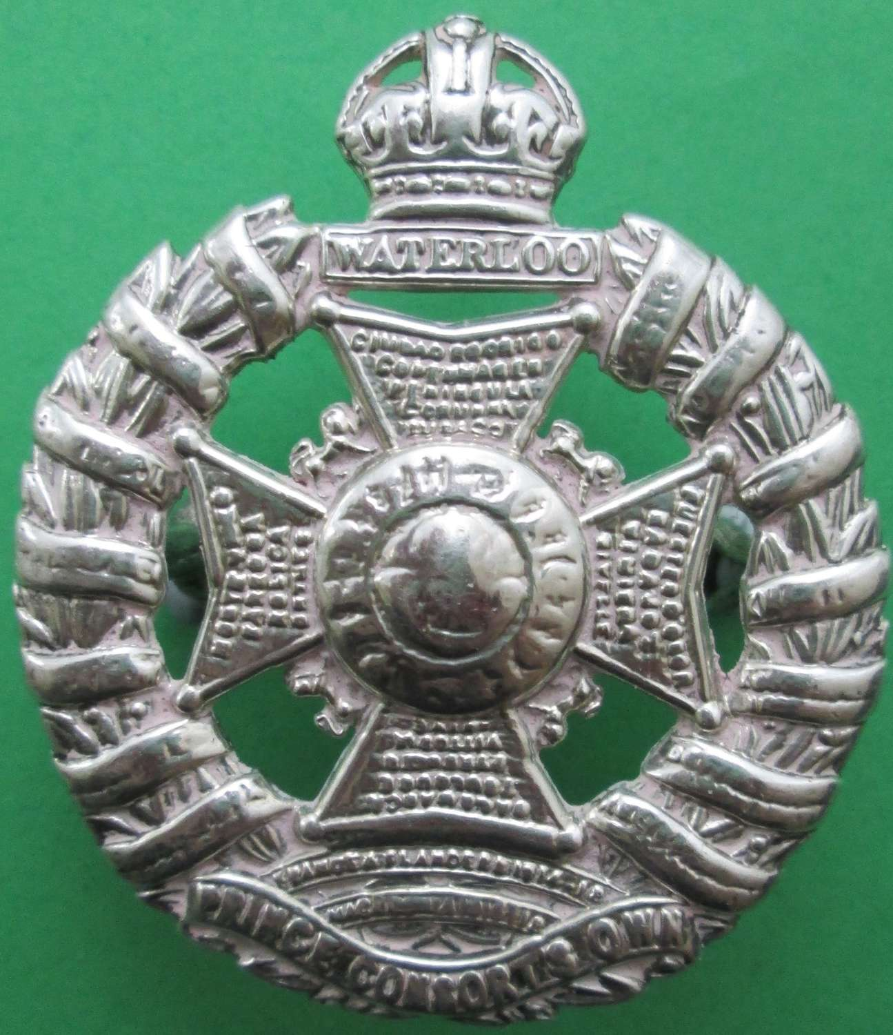 A RIFLE BRIGADE STERLING SILVER OFFICER'S BADGE