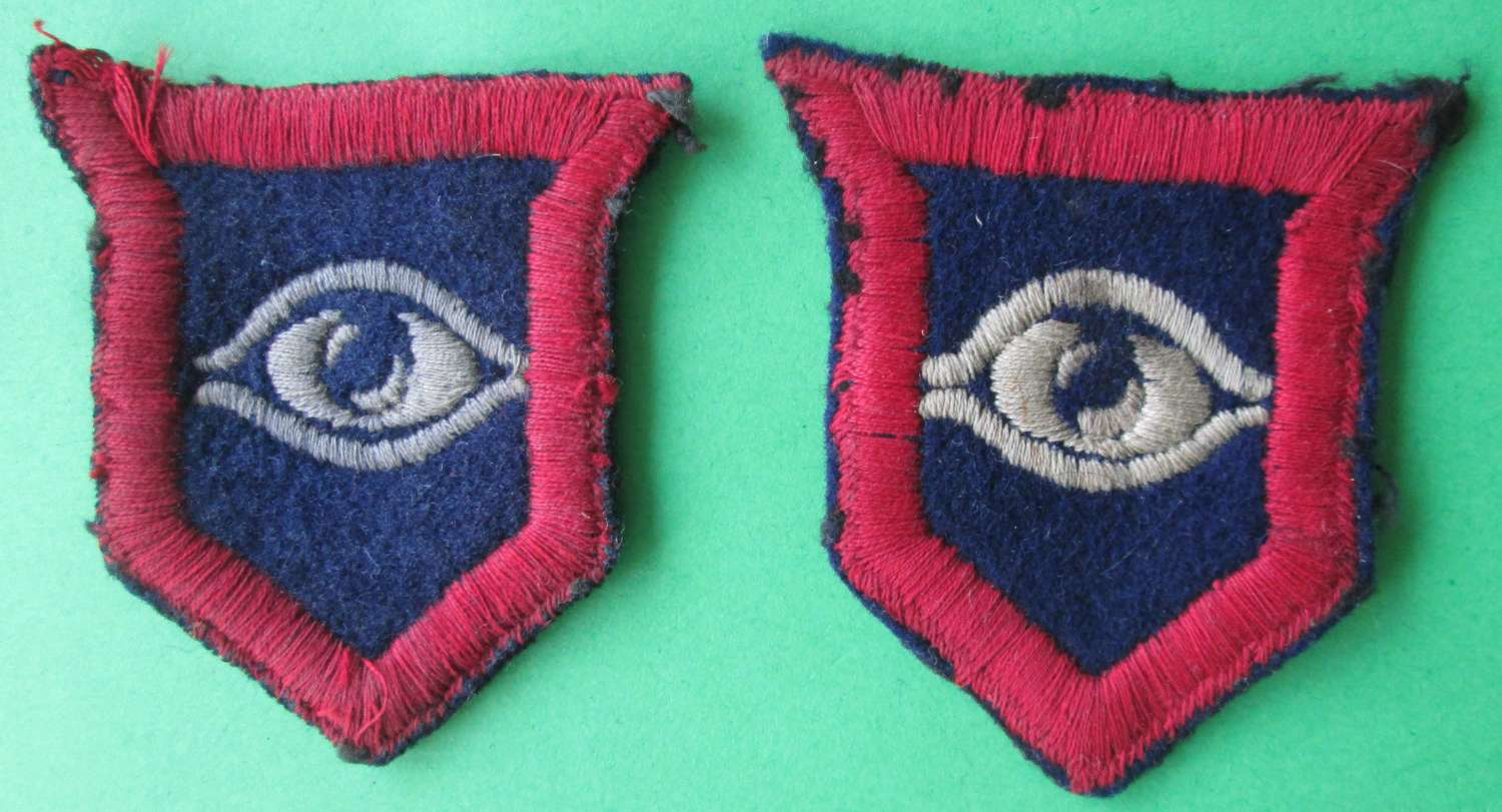 A PAIR OF GUARDS ARMOURED DIVISION FORMATION SIGNS