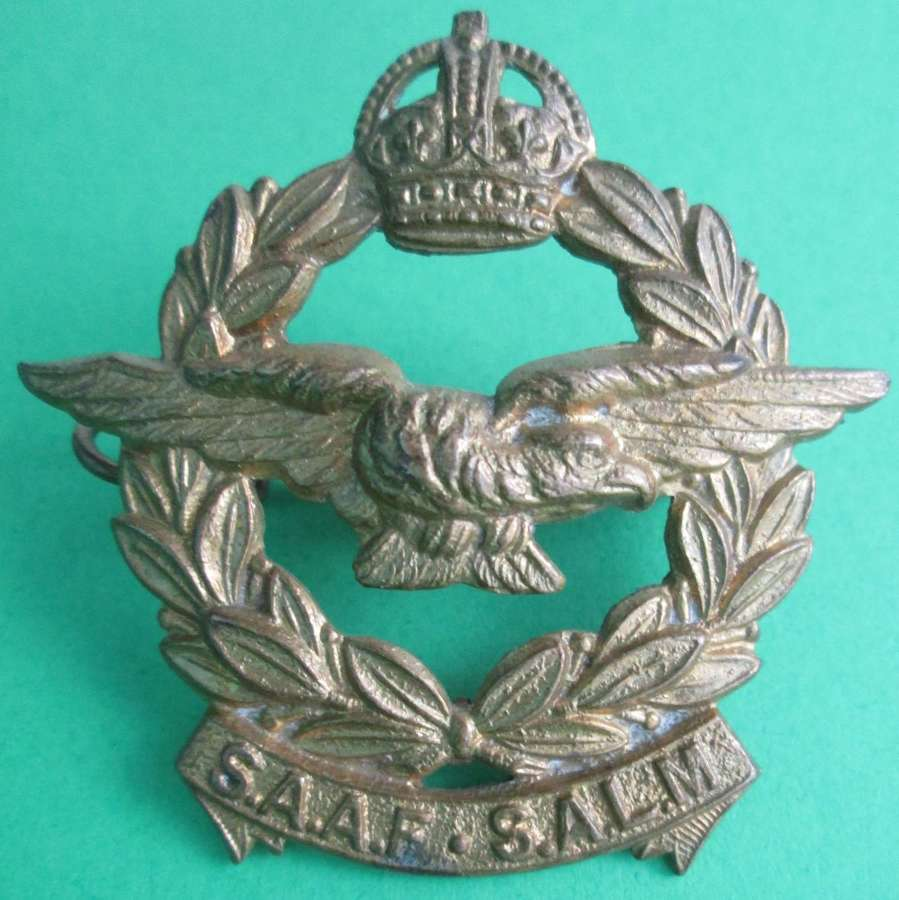 A SOUTH AFRICAN AIR FORCE CAP BADGE