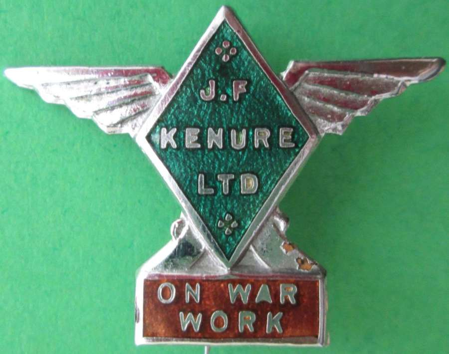 AN ON WAR SERVICE WORKERS PIN BADGE