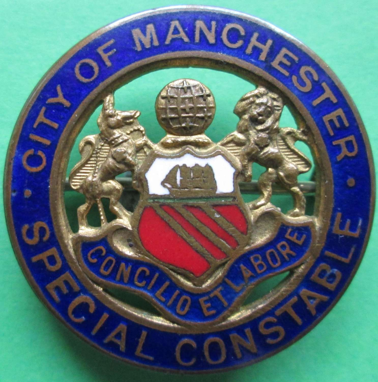 A GOOD WWI PERIOD CITY OF MANCHESTER SPECIAL CONSTABLE BADGE