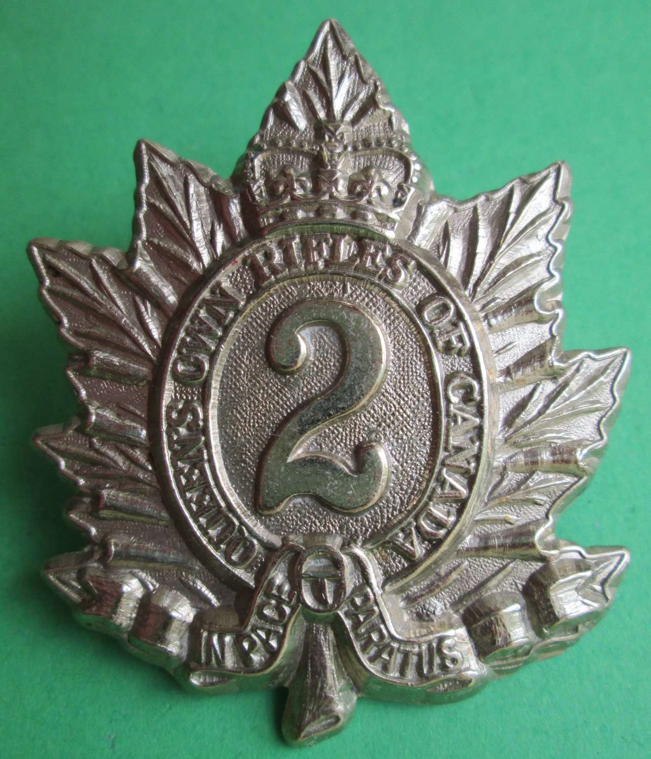A QUEENS OWN RIFLES OF CANADA BADGE