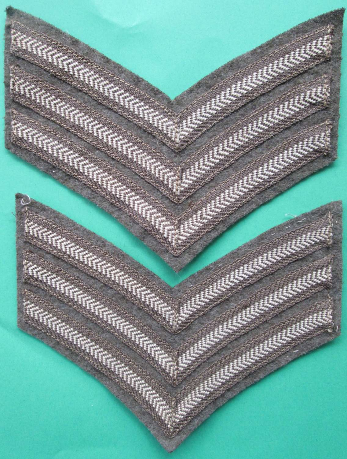 A GOOD PAIR OF WWII PERIOD SGTS STRIPES