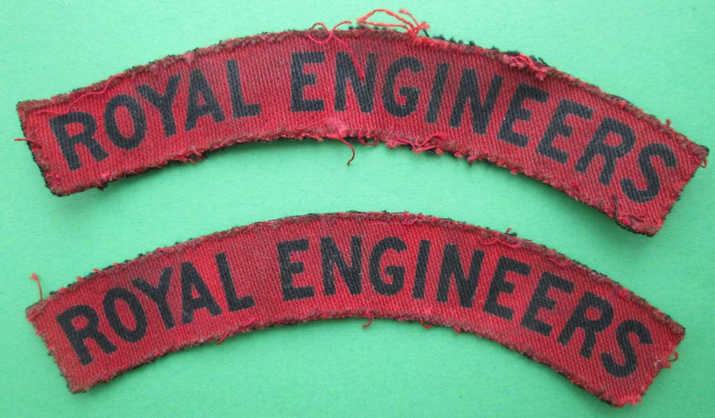 A PAIR OF ROYAL ENGINEERS SHOULDER TITLES