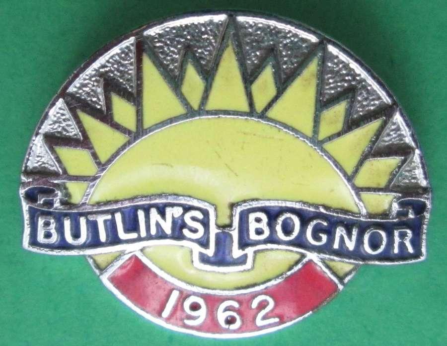 VINTAGE BUTLINS OF BOGNOR PIN BADGE