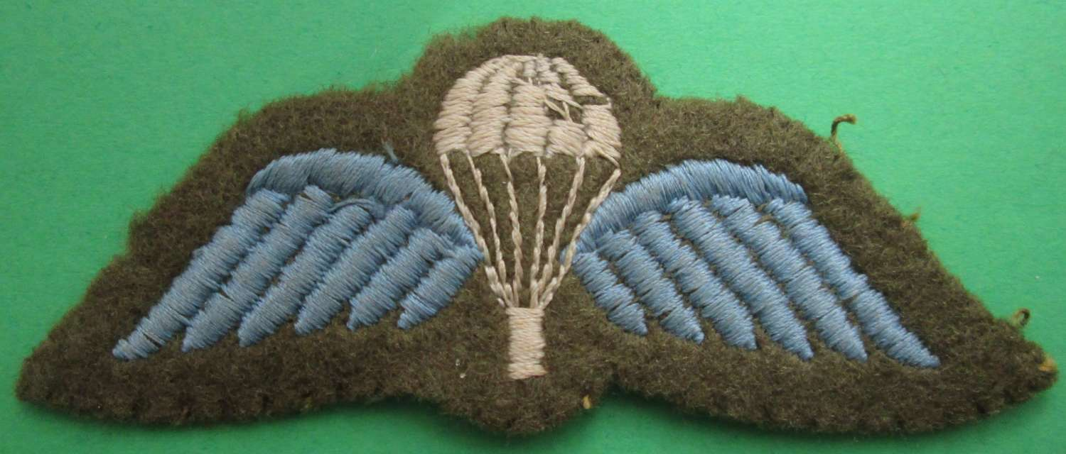 POST WWII PERIOD PARACHUTE WINGS