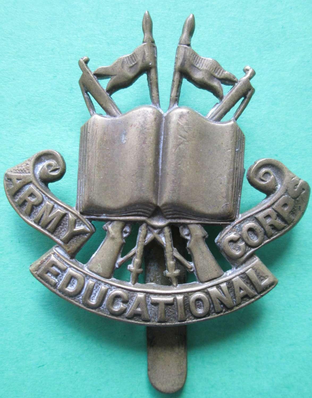 ARMY EDUCATIONAL CORPS CAP BADGE