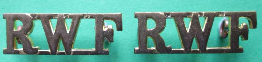 A PAIR OF ROYAL WELCH FUSILIERS SHOULDER TITLES